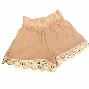 2Tee Couture Tan Lace Shorts Size Small